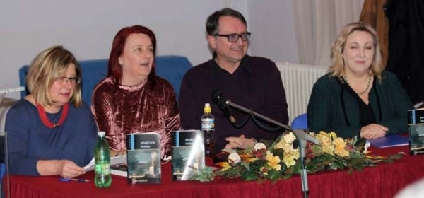 Otočkoj publici predstavljen roman M. Kranjčevića Patuljci krila nemaju