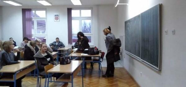 Počeli tečajevi stranih jezika u Korenici