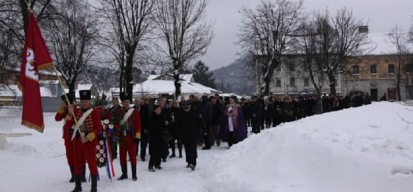 Povodom Dana Grada Otočca položeni vijenci i zapaljene svijeće
