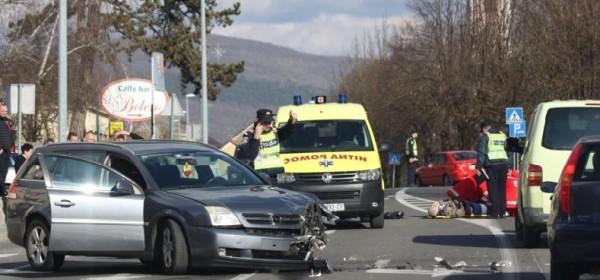 Nastradao motociklist prilikom pretjecanja vozila