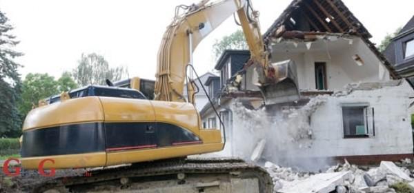 Uklanja se bespravna gradnja u Selu Plitvice