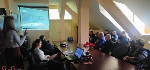 """Prezentacija podmjere 6.3 """"Potpora razvoju malih poljoprivrednih gospodarstava"""" u Brinju"""