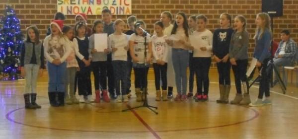 Školska priredba u Brinju povodom Božićnih blagdana
