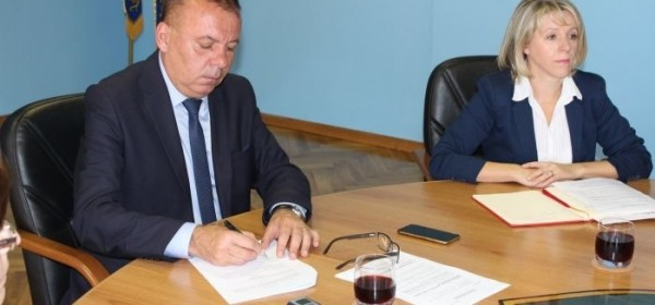 Župan Kolić potpisao Sporazume s ravnateljima osnovnih i srednjih škola