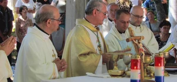 Biskup Križić predslavio misu na Veliku Gospu u Krasnu