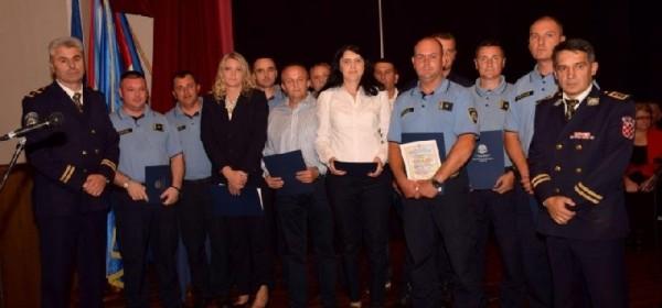 Među najboljim policijskim službenicima četri iz Otočca