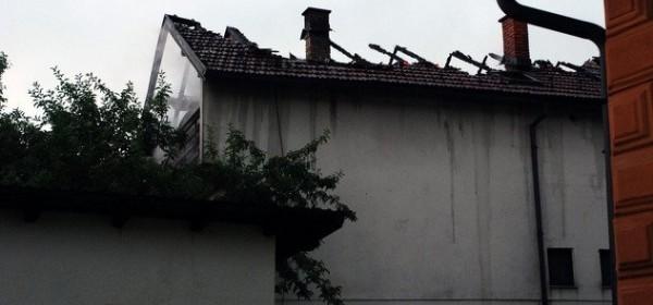 Uslijed udara groma požar na kući u Vrhovinama