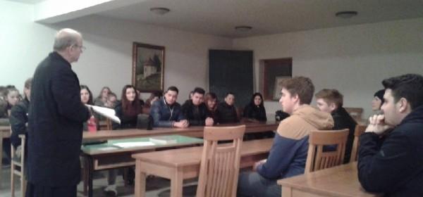 Zahvalne molitve mladih - uoči SHKM u Vukovaru
