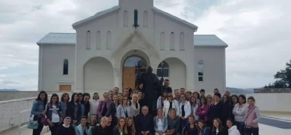 Biskup Rogić predvodio duhovnu obnovu u Baškim Oštarijama i Udbini