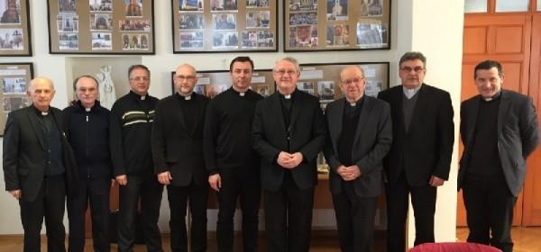 Sjednica zbora savjetnika i dekana s biskupom Križićem