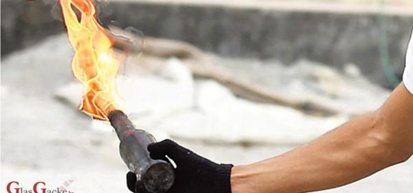 Kanio zapaliti roditelje