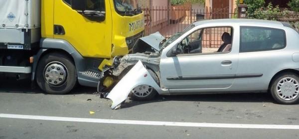 Pet prometnih, ima i ranjenih