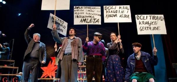 Vječno aktualna Predstava Hamleta u selu Mrduša Donja