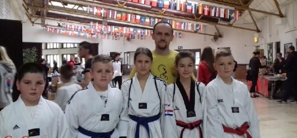 Tri zlatne medalje za Taekwondo klub Gacka