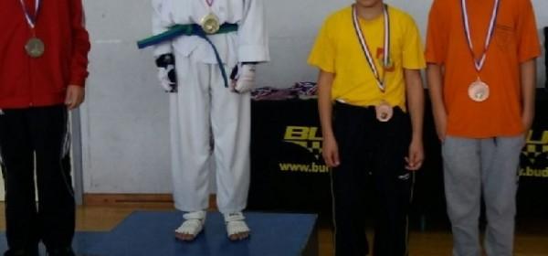 Četiri medalje za Taekwondo klub Gacka