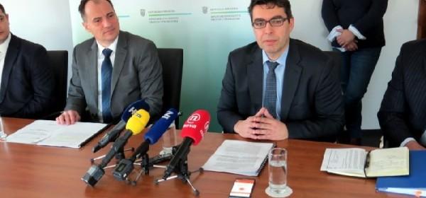 Osnovana Radna skupina za rješavanje problema prekomjerne posjećenosti i izgradnje u NP Plitvička jezera