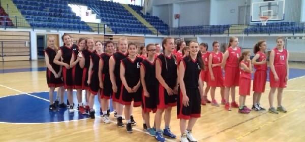 Mlađe kadetkinje Žkk Otočac osvojile 1.mjesto na turniru u Gospiću
