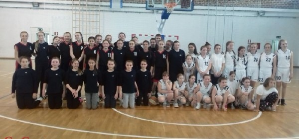 Prijateljske košarkašte utakmice ŽKK Otočac i košarkašica Brinja