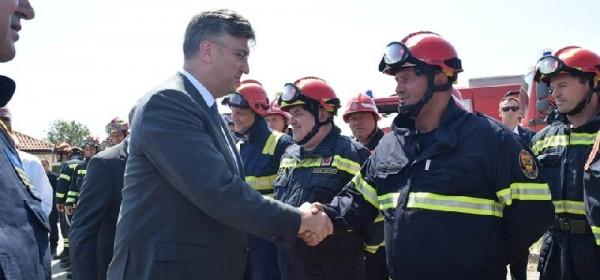 Ličko-senjski vatrogasci u Kistanju