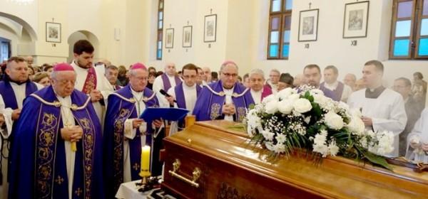Jučer pokopan svećenik Jure Tutek