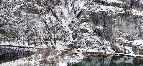Zbog snijega i leda zatvoren kanjon Donjih jezera