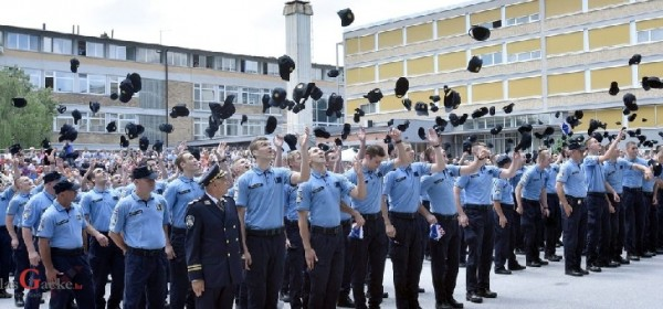 Teče rok za upis odraslih za zanimanje policajac