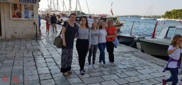Otočki srednjoškolci na Danima baštine i turizma za mlade 2018. u Hvaru
