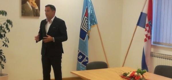 Kandidat za predsjednika ŽO HDZ-a Ličko-senjske županije Marijan Kustić predstavio svoj program u Udbini