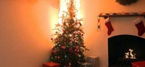 Opasnost od požara od božićnih jelica i dekoracija