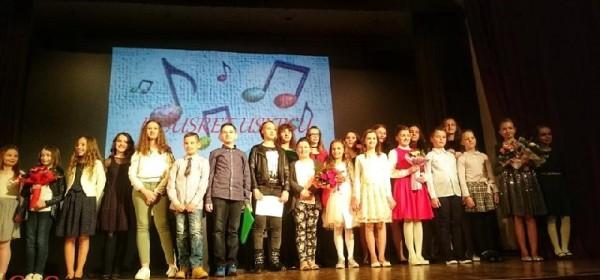 Sinoć u Otočcu održan koncert Ususret Uskrsu