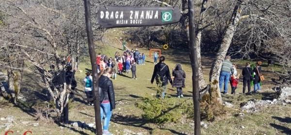 Završene manifestacije u Perušiću povodom Uskrsa