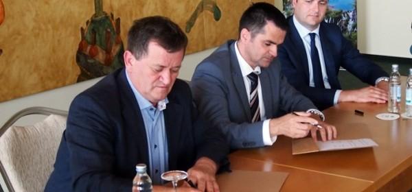 Nacionalni park Plitvička jezera stipendirat će učenike koji se obrazuju u deficitarnim zanimanjima