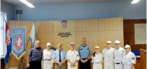 Starčević potpisao ugovore s policijskom mladeži