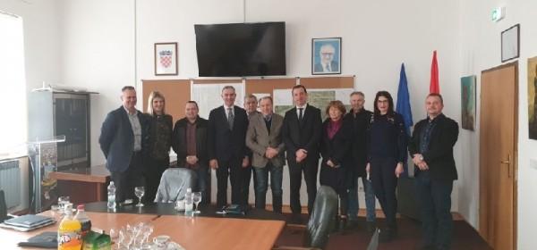 Državni tajnik Mažar: Središnji državni ured za stambeno zbrinjavanje investirati će u LSŽ-u u 2019.godini 12.500.000,00 kuna