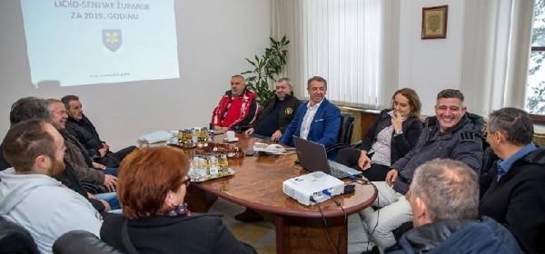 Udrugama iz Domovinskog rata župan Milinović prezentirao Proračun
