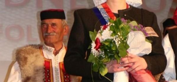 Valentina Šporčić najljepša djevojka u narodnoj nošnji 19.Smotre folklora Otočac 2018.