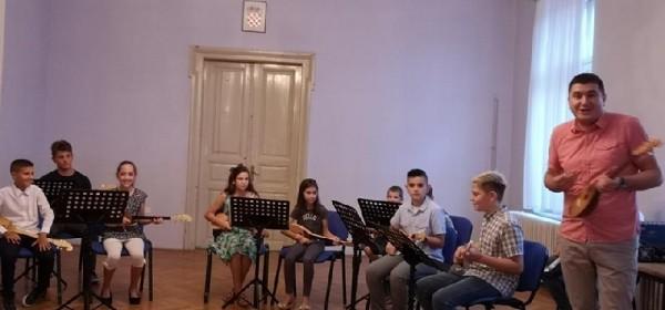 Održan završni koncert polaznika radionice sviranja dangubice