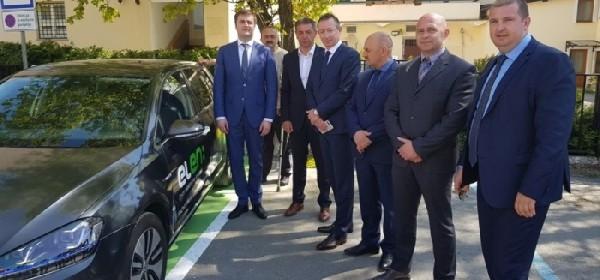U trajni rad puštena prva ELEN punionica za električna vozila u Gospiću