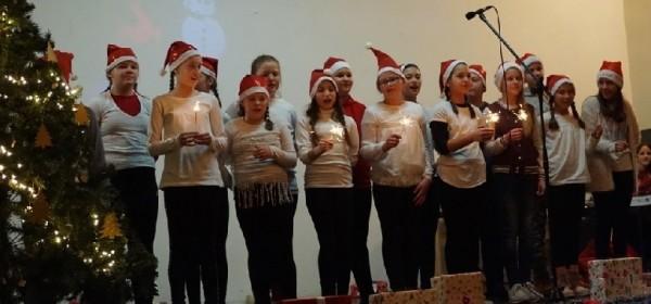 Školska priredba povodom božićnih blagdana u Brinju