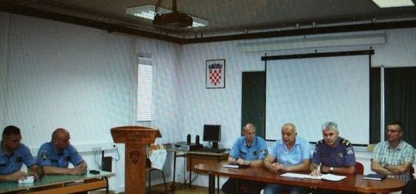Prijem policijskih vježbenika u PU ličko-senjskoj