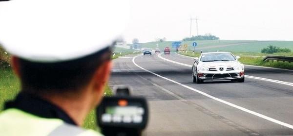 Puno prekršaja zbog brze vožnje i konzumacije alkohola