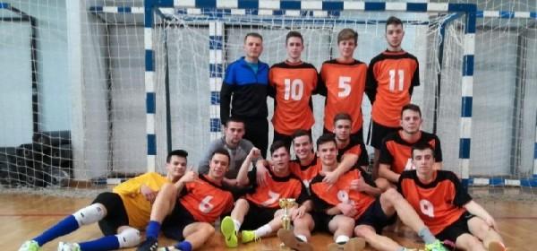 Zlato u malom nogometu za učenike Srednje škole Otočac