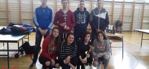 Učenice Srednje škole Otočac županijske prvakinje u stolnom tenisu