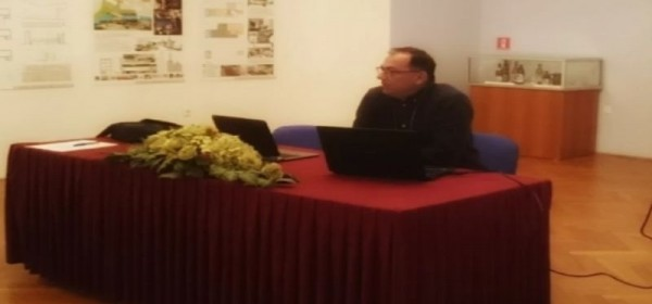 Započeo je seminar/radionica tradicijskih tekstilnih vještina Gacke i Like