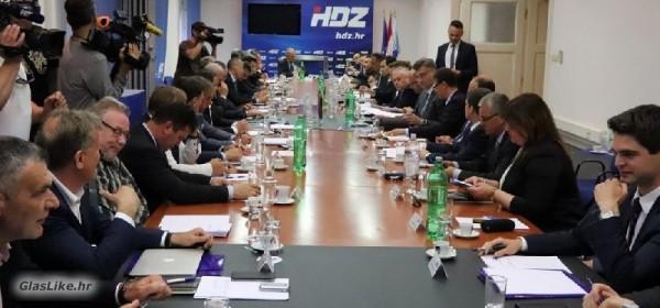 Nacionalno vijeće HDZ-a potvrdilo odluku Povjerenstva ŽO HDZ-a o raspuštanju GO HDZ-a Grada Gospića