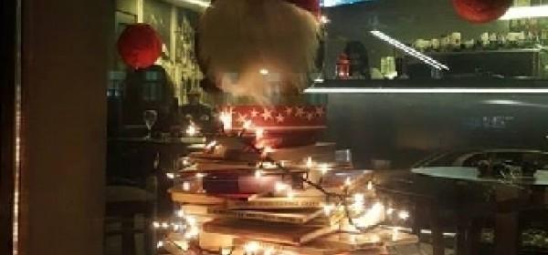 Božićna jelka - od knjiga!