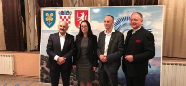 """Dogovorena suradnja u Županijskoj skupštini između predsjednika HDZ-a LSŽ Marijana Kustića i nezavisne liste """"Bura promjena"""""""