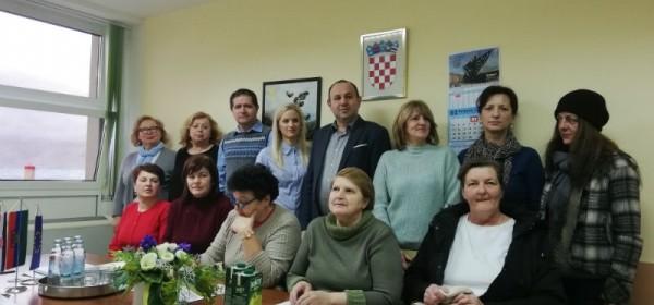 """Potpisani ugovori sa zaposlenicama u okviru projekta """"Zaželi - program zapošljavanja žena na području grada Senja"""""""