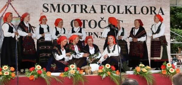 Otočka smotra folklora počinje danas mimohodom u 16:45 uri