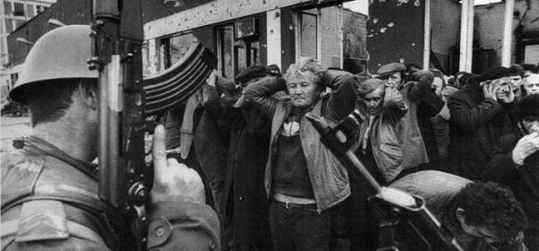 Dvojica pripadnika srbijanskih paravojnih postrojbi prijavljena za ratni zločin nad zarobljenicima i civilima u Vukovaru 1995.